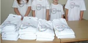 Schul-T-shirts ohne Köpfe